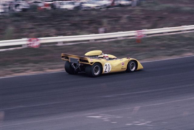 画像: 黒沢元治のドライブで1969年日本GPを制した21号車ニッサンR382。エントリーは黒沢元治/砂子義一で登録されていたが、結局黒沢元治ひとりで走り切った。