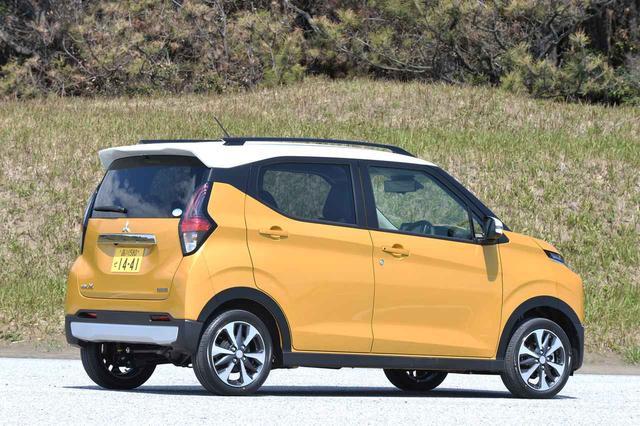 画像: SUVテイストを加味したeKクロス。eKワゴンも同時にデビューしている。