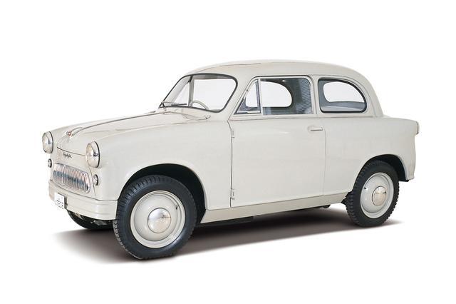 画像: 1955年に登場したスズキ スズライトSS。日本初の本格的な四輪軽自動車がこのモデル。