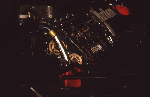 画像: 3.5L自然吸気という新規定に合わせて開発されたRA109Eエンジン。気筒数の制限はなく、フェラーリは12気筒で参戦。