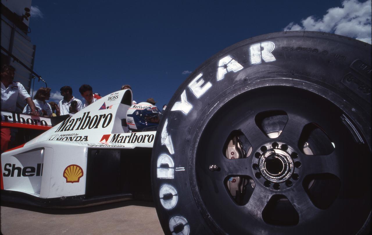 Images : 13番目の画像 - マクラーレン・ホンダ MP4/5(1989) - Webモーターマガジン