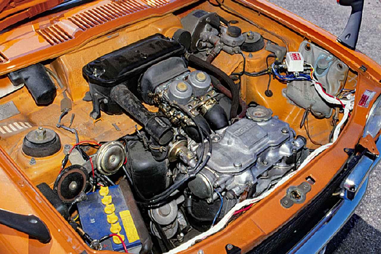 画像: ホンダエンジンは軽でも良く回った。空冷、直2 SOHCの排気量は354cc。36psを9000rpmで引き出していた。