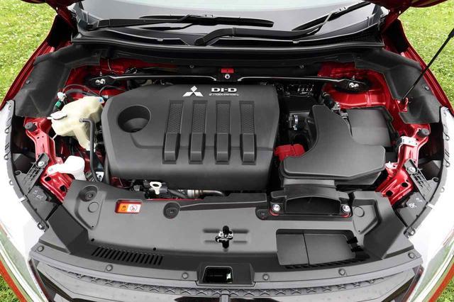 画像: 4N14型エンジンは2013年に投入されたものだが、新4N14型は尿素SCRシステムの採用の他、EGR領域の拡大、フリクションの低減など多くの改良が行われている。