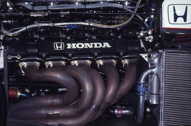 画像: エンジンは前年のチャンピオンエンジンRA100Eの熟成進化版「 RA101E」型。