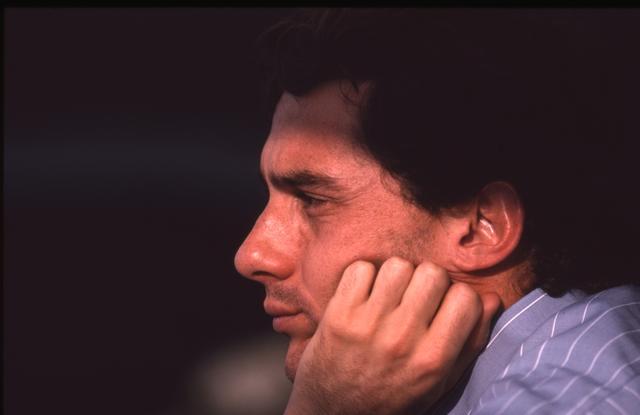 画像: シーズンわずか3勝に終わったアイルトン・セナ。ランキングは4位。3年連続チャンピオンはならなかった。