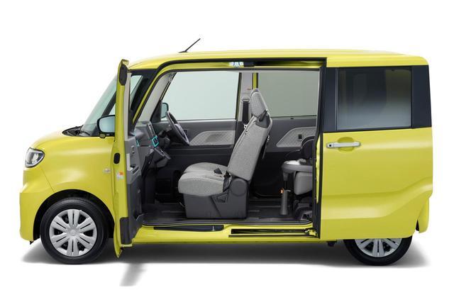 画像: 助手席側のセンターピラーを前後のドアに内蔵させることで、開口部を大きくする。