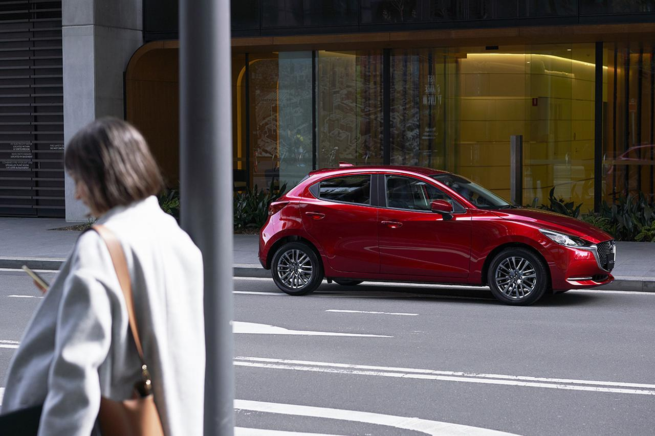 Images : 7番目の画像 - MAZDA2 - LAWRENCE - Motorcycle x Cars + α = Your Life.
