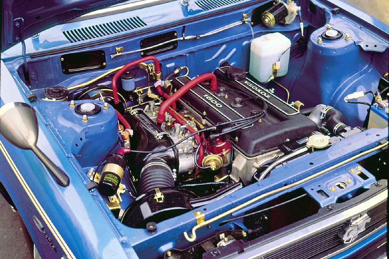 画像: セリカGTのデビューから6カ月遅れでカリーナの2ドアセダンに載せられた2T-G型1.6L DOHCエンジン。