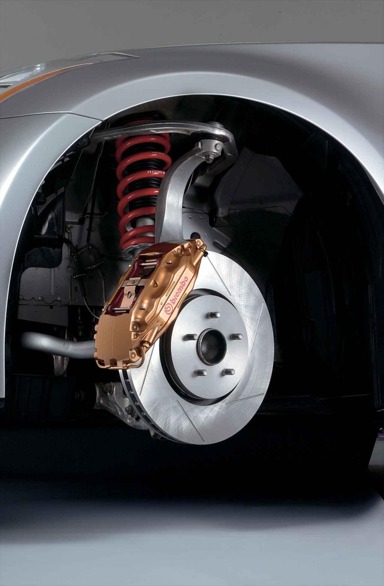 画像: 足回りにもにも専用のS-tuneサスペンションやブレンボ製大径ブレーキ(フロント)が装着されている。