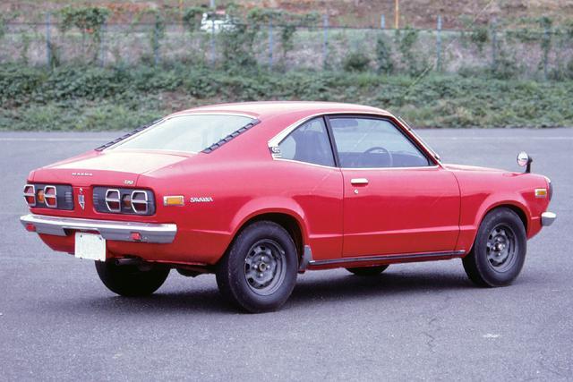 画像: デビュー時は丸型6灯のテールライトとZ78-13のバイアスタイヤだったが、1973年6月には写真の六角形のテールライトに変わり、タイヤもZ70-13になった。