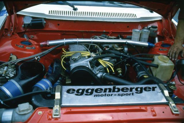 画像: 搭載されたエンジンは2.1LSOHCユニット。それの内部を鍛造パーツで強化し、ギャレット製ターボタージャーで過給。インタークーラーにはウオーター・インジェクションが装備され吸気効率を上げていた。