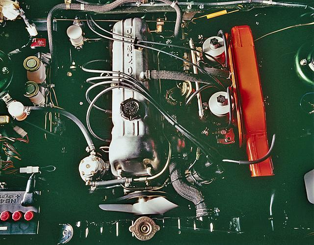 画像: SSSに搭載されたL16型直4エンジンは、SUツインキャブにより105ps/13.8kgmを発生。電子制御のインジェクション装着のL16E(115ps)はSSS-Eに載せられた。