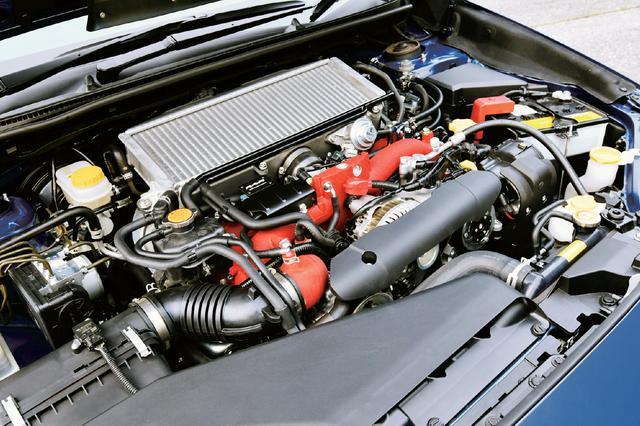 画像: エンジンはS208と同等のチューンだが、インタークーラーの冷却効果を最大限にするためパフォーマンスシュラウドなどを採用した。