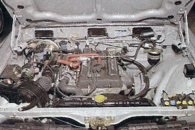 画像: 18R-G型 DOHCはレギュラー仕様で140ps/17.2kgm、ハイオク仕様で145ps/18.0kgmを発生。レッドゾーンは7000rpmからの設定。
