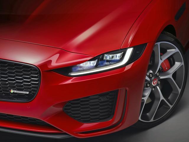 画像: Jブレードデザインのヘッドライトが特徴的だ。