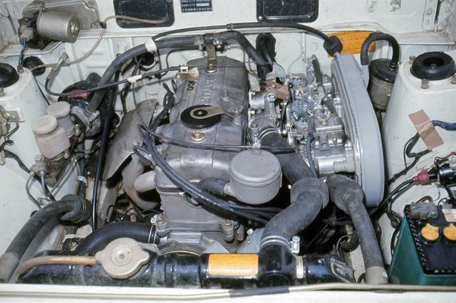 画像: GSR用の1.6Lサターンエンジンはストロンバーグ・ツインキャブで110ps/14.2kgmを発生。写真のエンジンはC-IIスポーツキットを装着したワークス仕様。