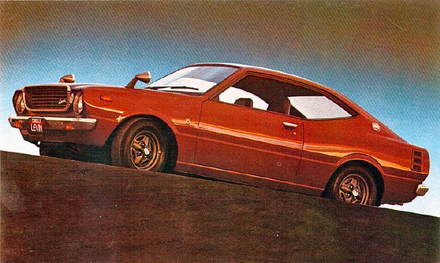 画像: 30型になって登場したレビンはスプリンターがクーペボディなのに対して、ハードトップボディに2T-G型(レギュラー仕様もあり)を搭載していた。パワースペックはトレノと同じで、価格は101万円。