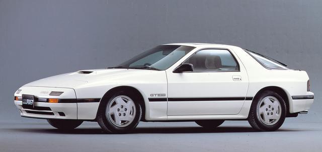画像: リアルスポーツカーとして大幅な性能アップを果たした2代目RX-7(FC3S型)。