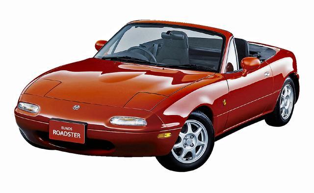 画像: 1993年のマイチェンで初代ロードスターはBP-ZE[RS]型への換装で動力性能を高めたが、1.6Lの軽快感を惜しむ声もあった。