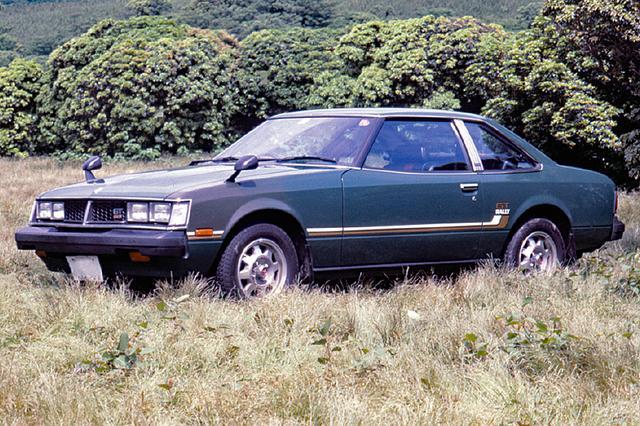 画像: ラリーシーンでのセリカの活躍から、78年9月に2000GTラリー、11月に1600GTラリーが登場。マイチェン後もしっかり受け継がれた。実際はGTVの後継車にあたり、ラジオはAM、シートもビニールとモータースポーツベースを意識したモデルだった。