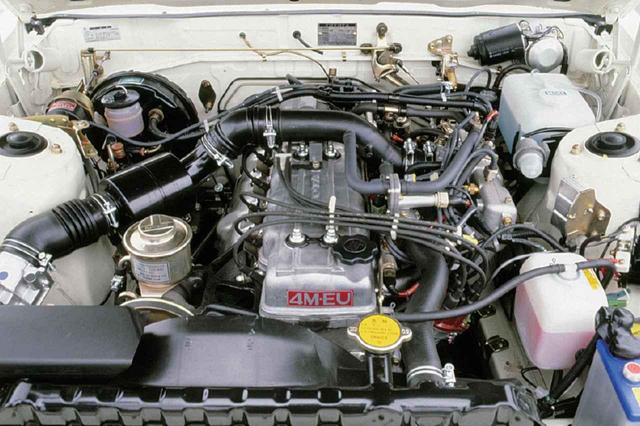 画像: 4M-EU型の6気筒エンジンを収めるため、ノーズはセリカより210mm長くなっている。80年8月にはボアが3mm広い5M-EU(2.8L)となる。