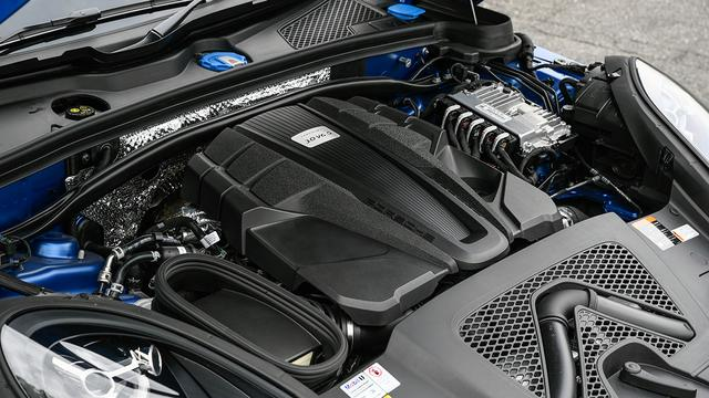 画像: マカンS搭載の新開発V6 3Lツインターボエンジン(最高出力354ps/最大トルク480Nm)。