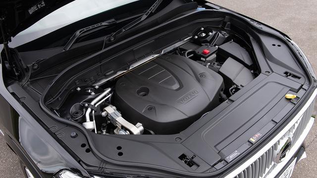 画像: ボルボXC90 D5 AWDインスクリプション搭載の直4DOHC2Lディーゼルターボエンジン(最高出力173ps/最大トルク480Nm)。