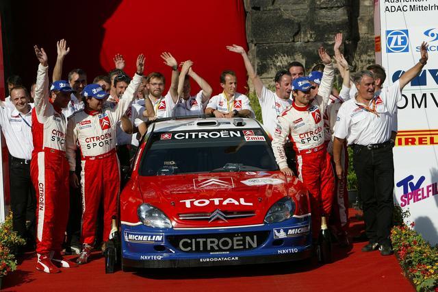 画像: 2005年ラリードイチェランドの表彰台。セバスチャン・ローブが優勝。
