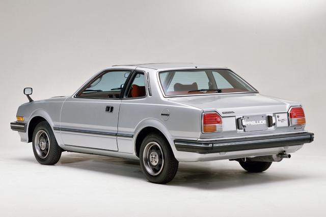 画像: 写真のXEとXRは日本車では初めて電動サンルーフが標準装備された。