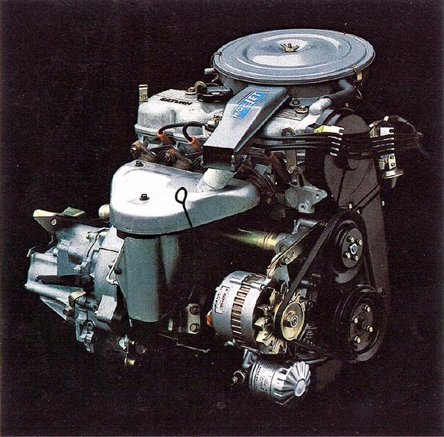 画像: 1400系に搭載されたオリオン エンジンでなく、ランサーのサターン エンジン/G32型が横置きされる。ロングストロークで低回転から粘り強い。