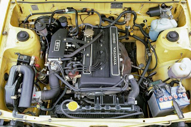 画像: 2T-GEUは、スポーティグレード車(SR/SE)に積まれた1.5Lの3A-Uエンジンとは一線を画した、トヨタスポーツエンジンの代表だった。