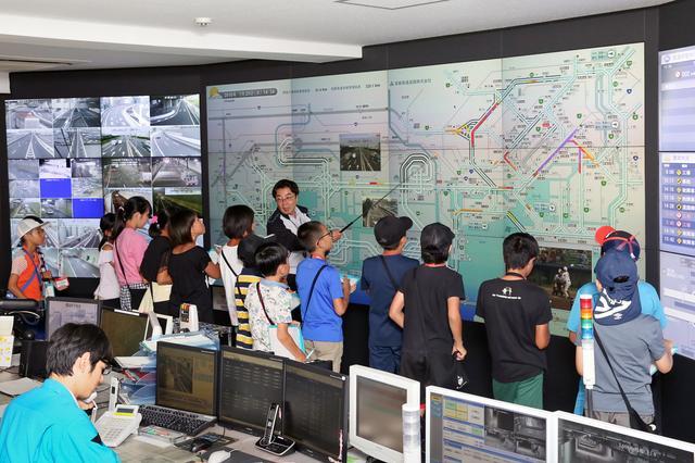 画像: 首都高速の交通情報センターも見学できるらしい。