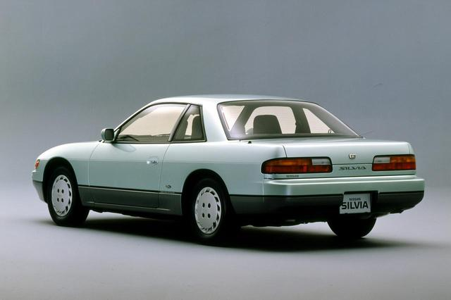 画像: 「居心地のいいインテリア」や「流麗なスタイリング」といった言葉が、S13シルビア公式資料の最初に並び、硬派なスポーツカーというイメージではなかった。