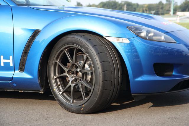 画像: サーキットでのラップタイム短縮を追求したリアルスポーツタイヤ「POTENZA RE-12D」を装着。