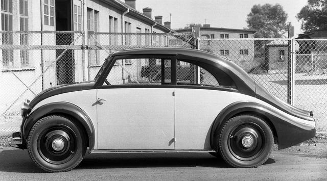 画像: W17型は12台試作された。優雅な流線型のものもあり、この車体をデザインしたエルヴィン・コメンダは、その後ポルシェ事務所に移籍し、フォルクスワーゲンを手がける。
