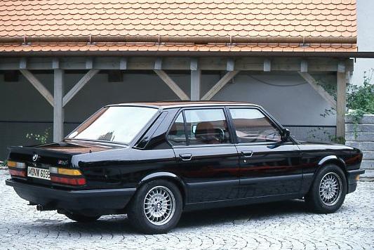Images : 2番目の画像 - 初代BMW M5(E28) - Webモーターマガジン