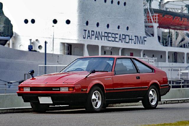 画像: 1982年8月に追加された、XX2000GTツインカム24。日産のFJ20型に対抗してトヨタが送り出した2Lの直6DOHC、1G-EU型を搭載。5ナンバーで乗れるスポーティカーとして市場に投入した。