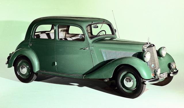 画像: 1936年に投入された170V。前回紹介した170の発展型のFR車で、1942年までの間に7万台以上生産されるヒット作となった。130VBより大きく、今日のCクラスの遠い祖先にあたる。