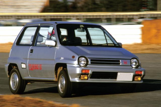 画像: 1983年11月に、さらにパワーアップしたエンジンをひっさげて登場したのがこのターボⅡ。