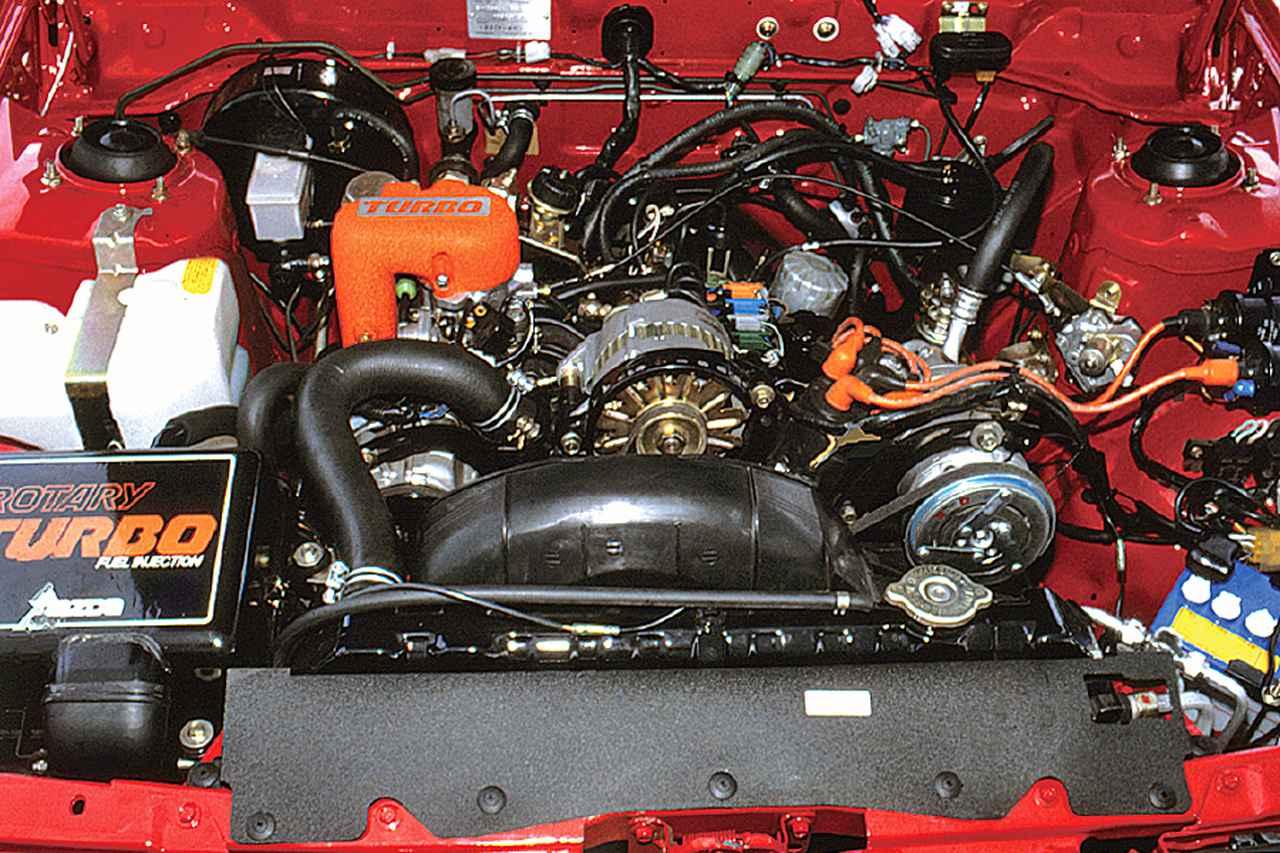 画像: 1982年1月に12A型ロータリーエンジンを搭載し、同年8月にターボを装着した。最高出力は160psとノンターボに比べて30psの大幅アップとなった。