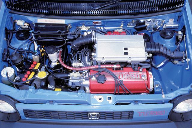 画像: 1231ccのER型エンジン。PGM-FIという電子制御燃料噴射と超小型ターボを組み合わせ、100psの最高出力を発生。
