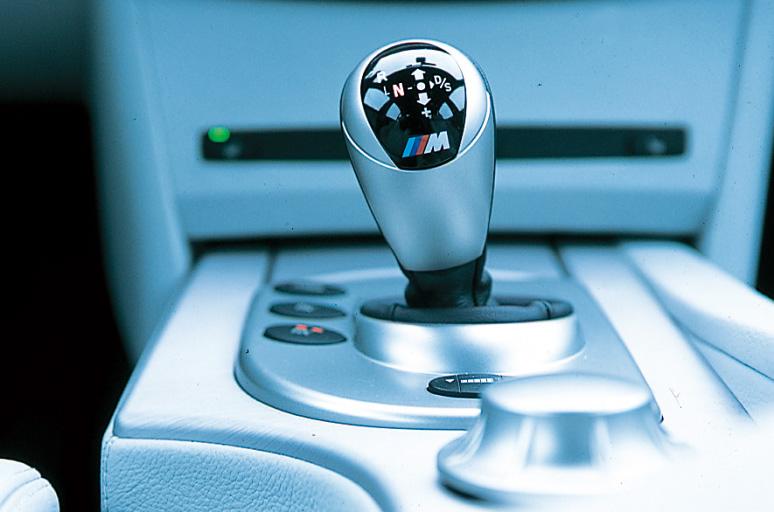 Images : 5番目の画像 - 4代目 BMW M5(E60) - Webモーターマガジン