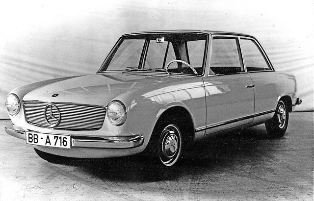 画像: 1960年代初頭頃に開発されていたW118/W119。前輪駆動で、水平対向エンジンを搭載。かなりモダンなスタイリングは、1963年に登場する2代目SLに似ている。