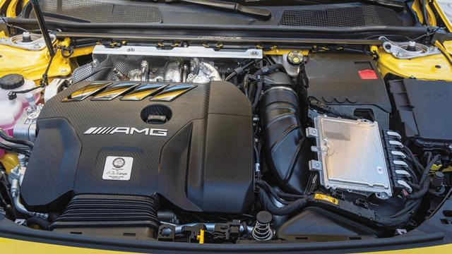 画像: 完全に新しい設計となる421psの2L直列4気筒エンジン。