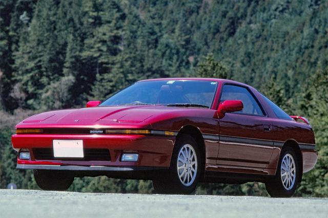 画像: 前モデルのXXのイメージを踏襲しつつ、グラマラスなスタイルに。1987年モデル(5速MT)のテスト値で、最高速は236.45km/h、0→400m加速は14.55秒を記録している。