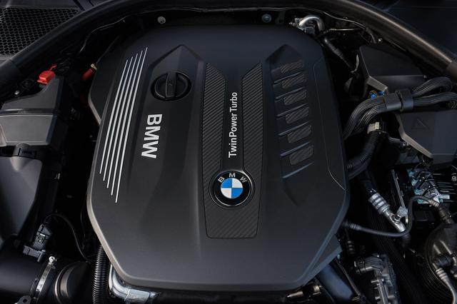 画像: テストカーの330dは、3L直6ディーゼルターボエンジンを搭載、265ps/580Nmの出力とトルクを発生する。
