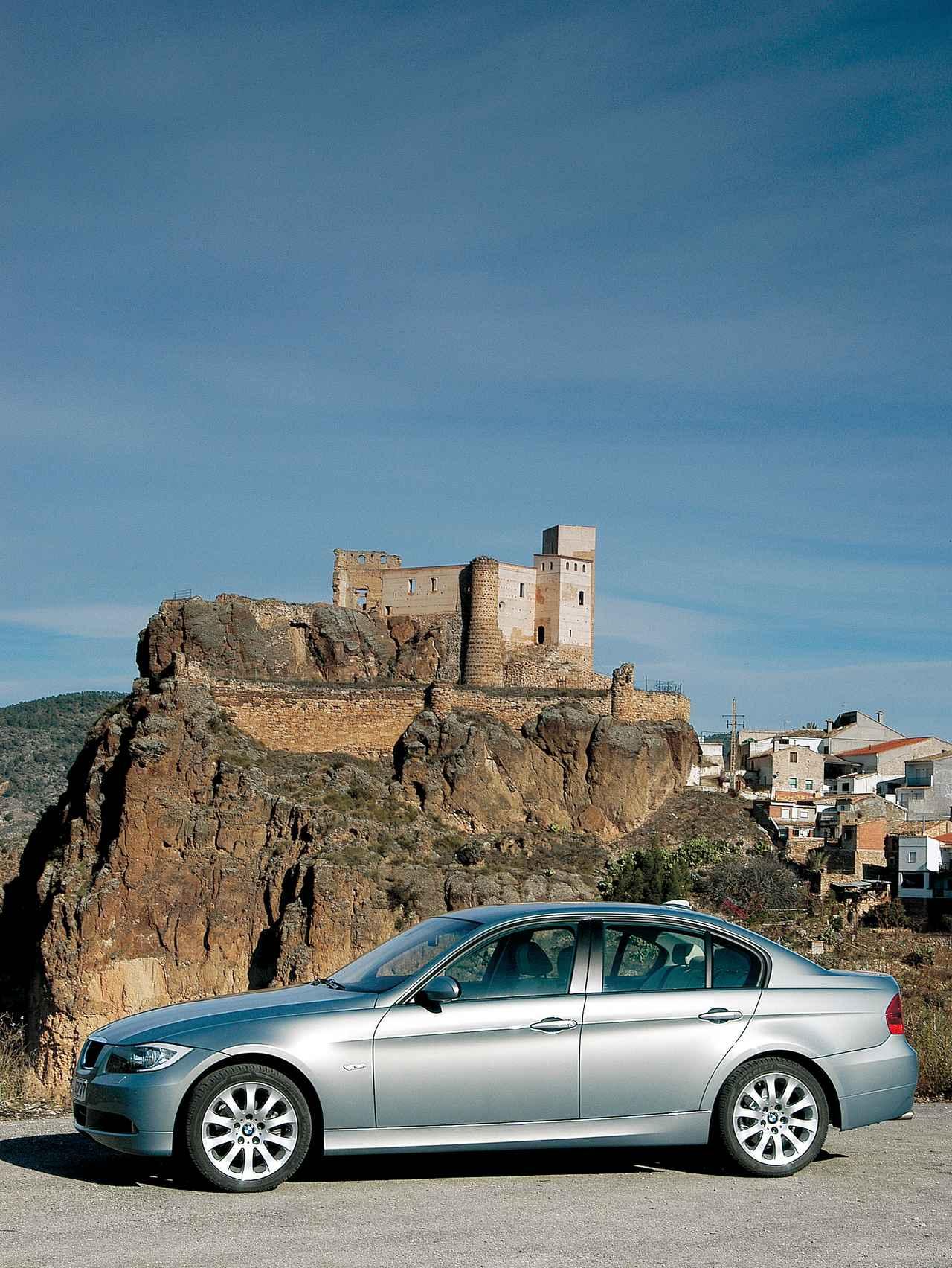Images : 1番目の画像 - E90型BMW 3シリーズ(2005年) - Webモーターマガジン