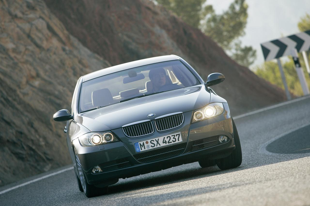 Images : 3番目の画像 - E90型BMW 3シリーズ(2005年) - Webモーターマガジン