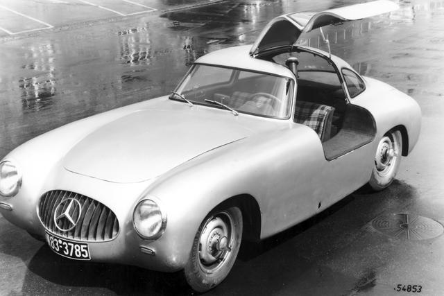 画像: 1952年のル・マン24時間レースで優勝した300SLのプロトタイプ、W194。
