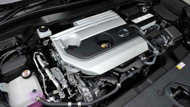 画像: 搭載の2L直4DOHCエンジン。最高出力174ps/最大トルク209Nmを発生。